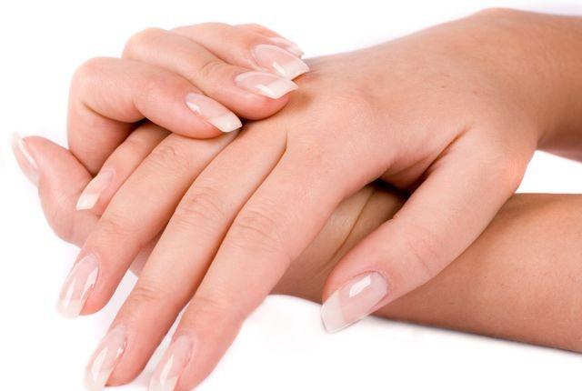 In-Sense-Organic-Spa-Nails1