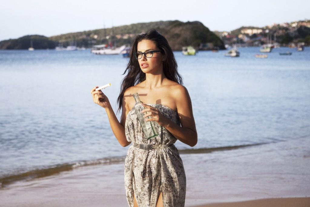 Vogue Eyewear_Adriana Lima (17)