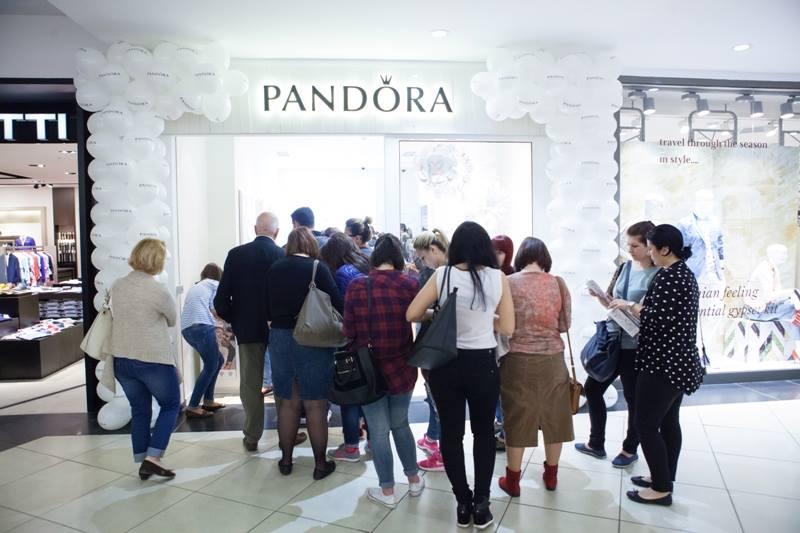 PANDORA store opening_Bucuresti Mall (10)