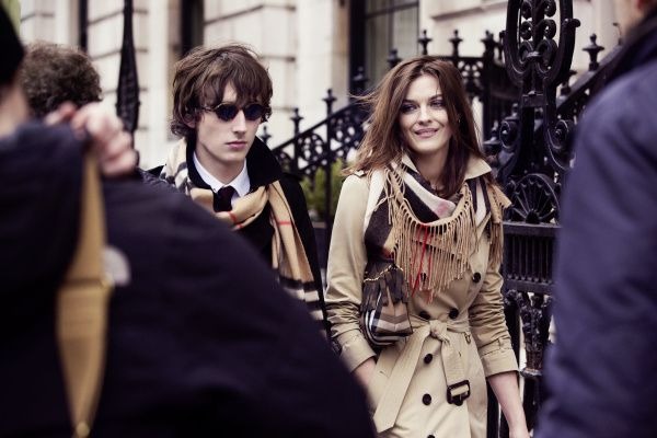 Ranald MacDonald and Amber Anderson in the Burberry Autumn_Winter 2015 Campaign Behind The Scenes - on embargo until Tuesday 23 June 00_01am BST