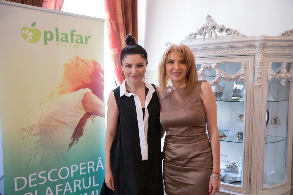 Alexandra Ungureanu si Thea Haimovitz