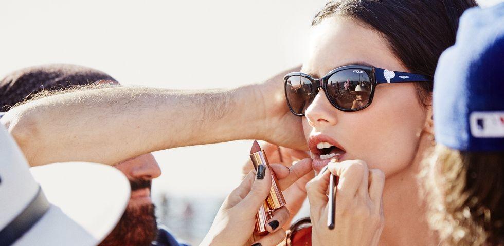 Adriana-Lima-Vogue 980x480