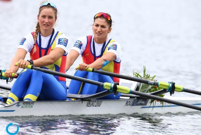 Echipa de canotaj dublu vasle - castigatoare a medaliei de aur